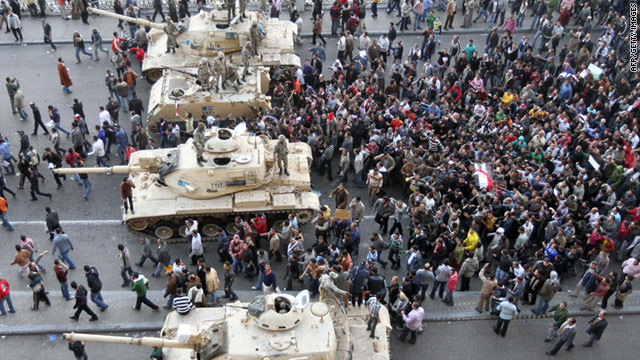 tanks-egypt-protests